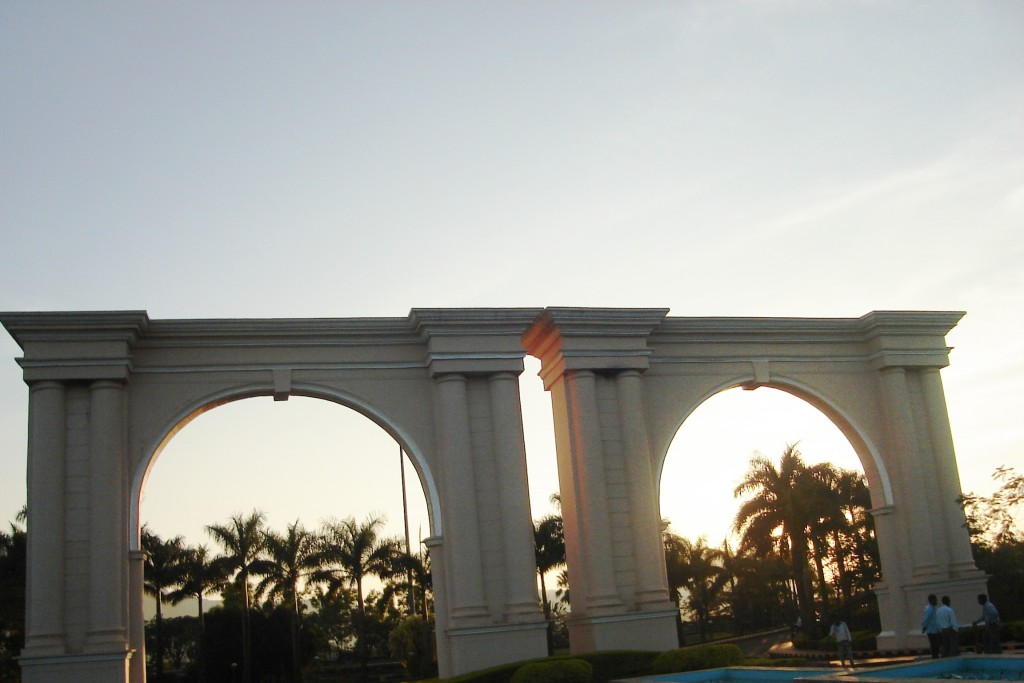 Triumphal Arch - The twin gates